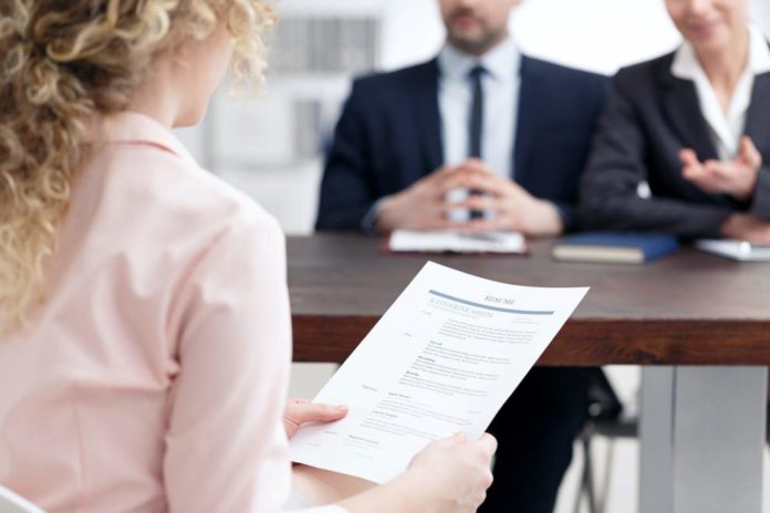 4 Job Application Tips to Make You Stand Out